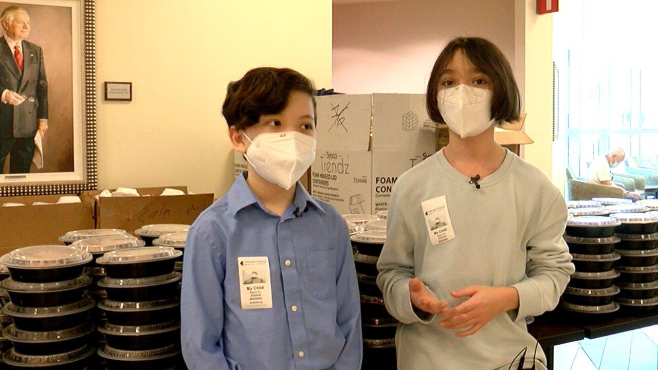 Jasper and Arthur Hu-Manning donate meals to Wellington Regional Medical Center