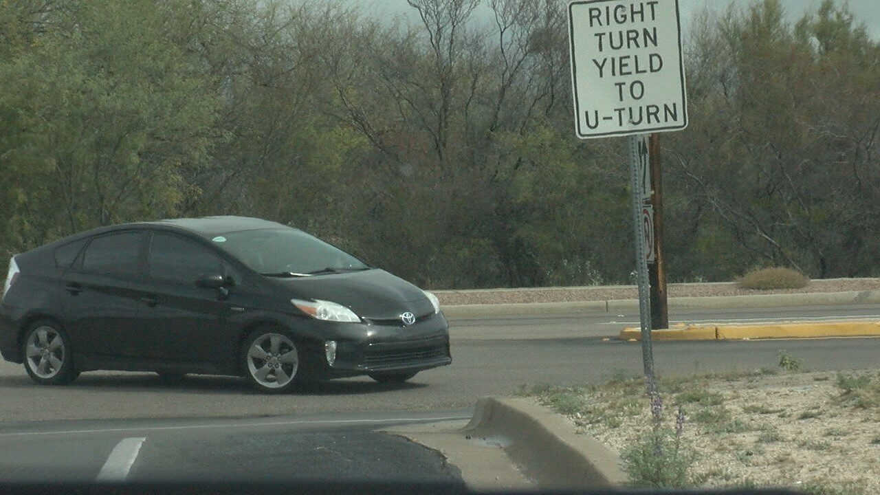 2018-02-28 OSR Right of Way-U-turn prius.jpg