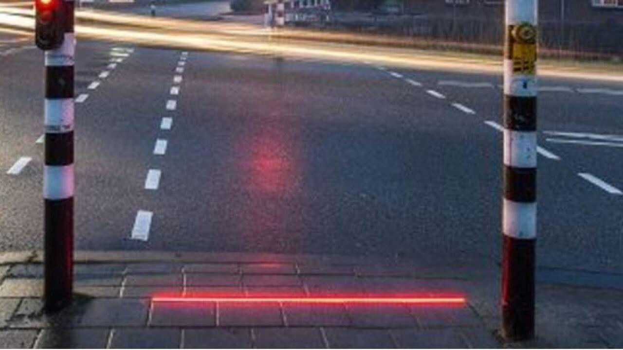 red ground light.JPG