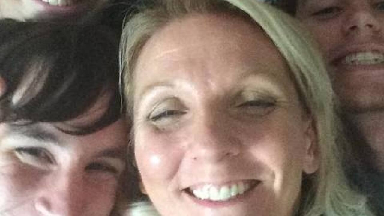 SWFL business woman dies in golf cart accident