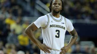 Report: Michigan's Zavier Simpson crashed car prior to suspension