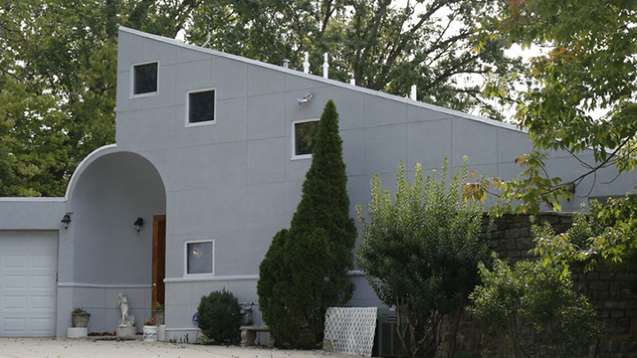 Home Tour: High above the Ohio River, Casa Musica is a symphony of love and harmony
