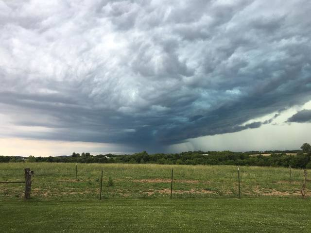 GALLERY: Thunderstorms move through KC area, produce large hail