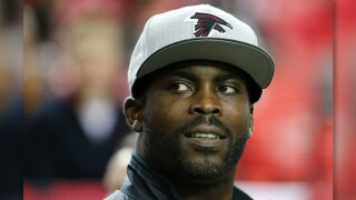 Michael Vick will still be honored at Pro Bowl despite petition, pushback over dogfighting