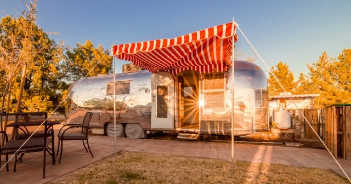 The Cozy Peach Eight Travel Trailers Available For Rent At Schnepf Farms In Queen Creek