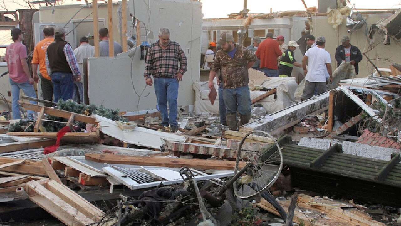 10 dead after tornadoes sweep through country