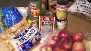 WCPO_freestore_foodbank_thanksgiving_meal.jpg