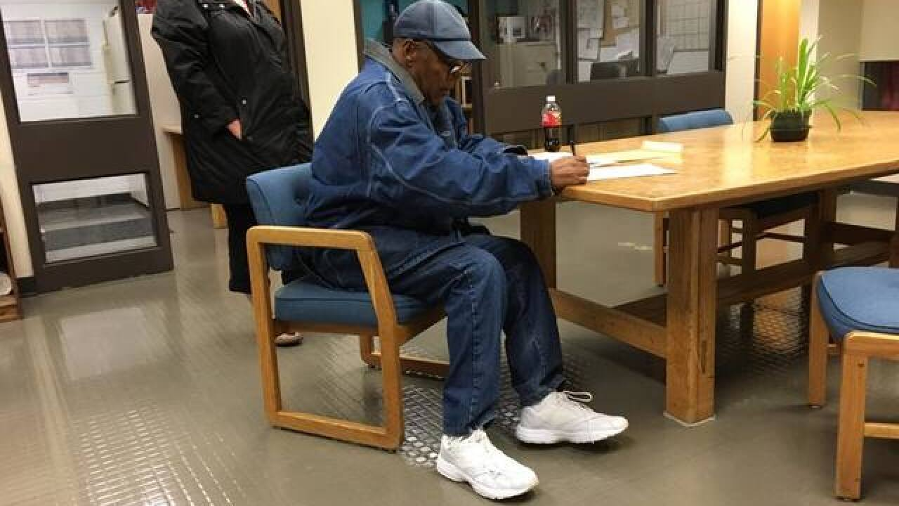 O.J. Simpson walks out of prison after 9 years