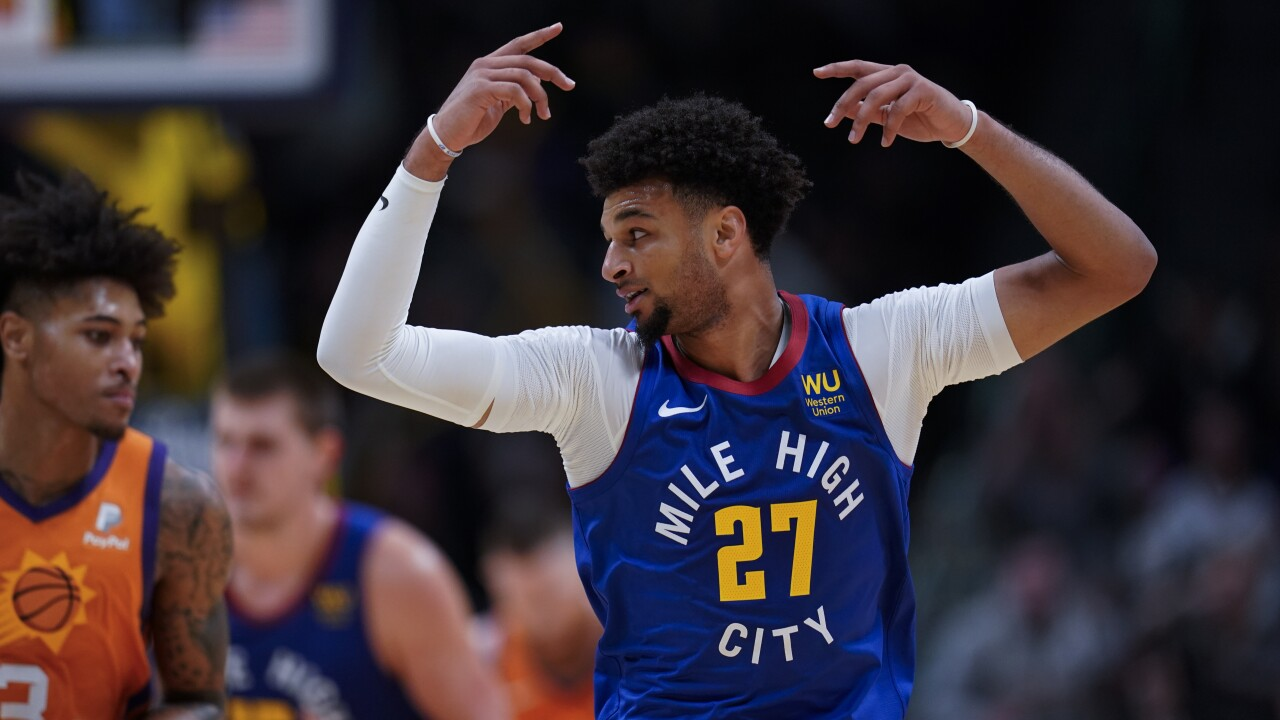 Murray helps Nuggets hang on to beat Suns 108-107 in OT