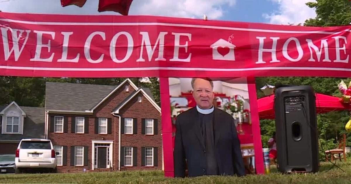 Pastor Robert Christmas