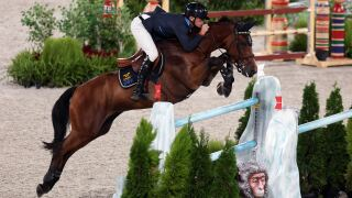 Sweden beats U.S. by 1.3 seconds in thrilling jump-off for team show jumping gold