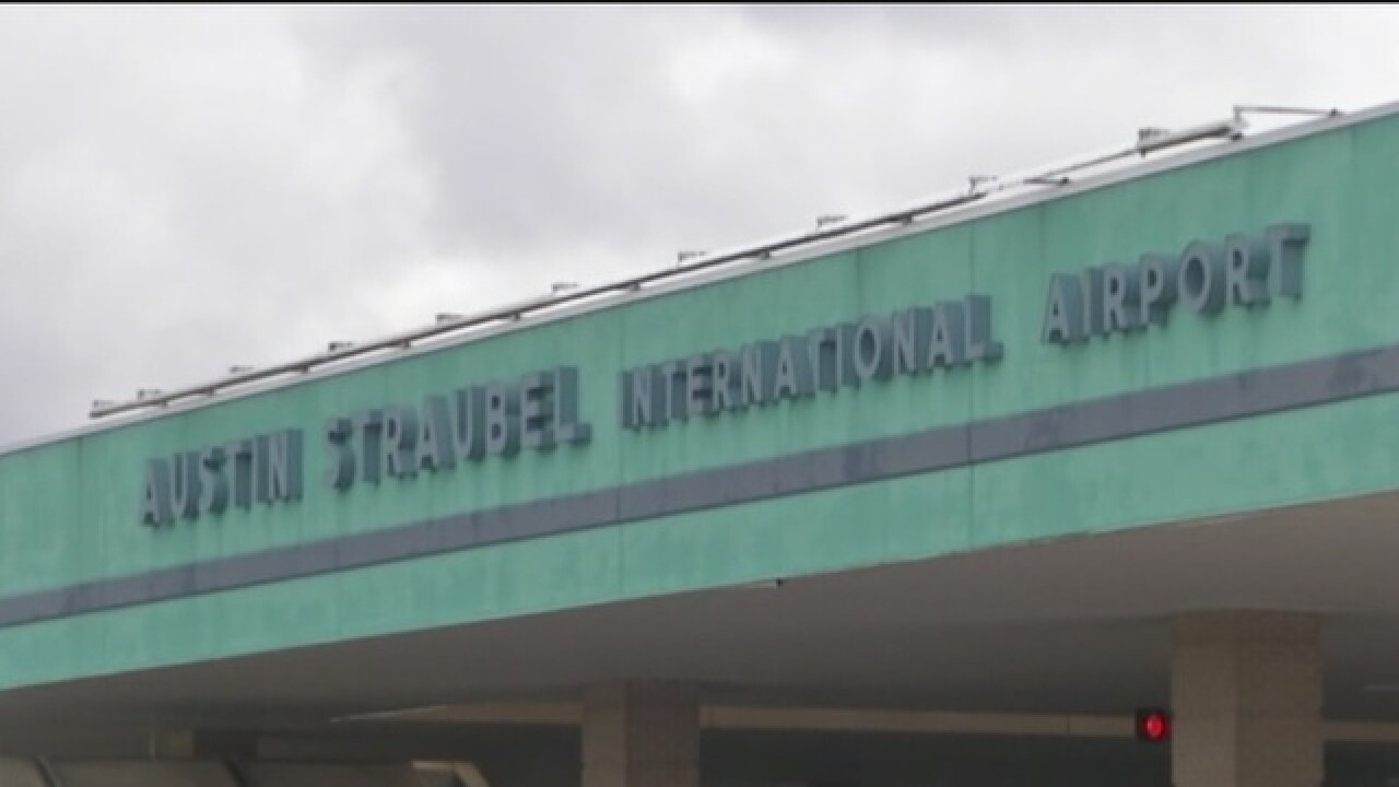 Fake bomb threat at Austin Straubel Airport