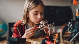 5 Ways STEM-Focused Extracurricular Activities Can Build Your Child's Future