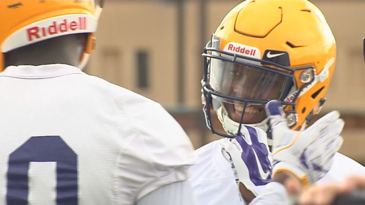 LSU's Giles to transfer