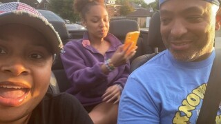 Jessica-Ann-Tyson-and-family-in-convertible-car.jpg