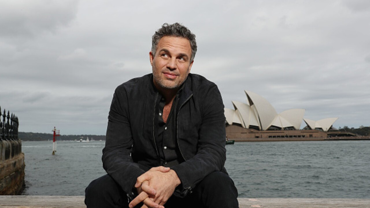 Mark Ruffalo tweets Starbucks gift card, encourages followers to pay it forward