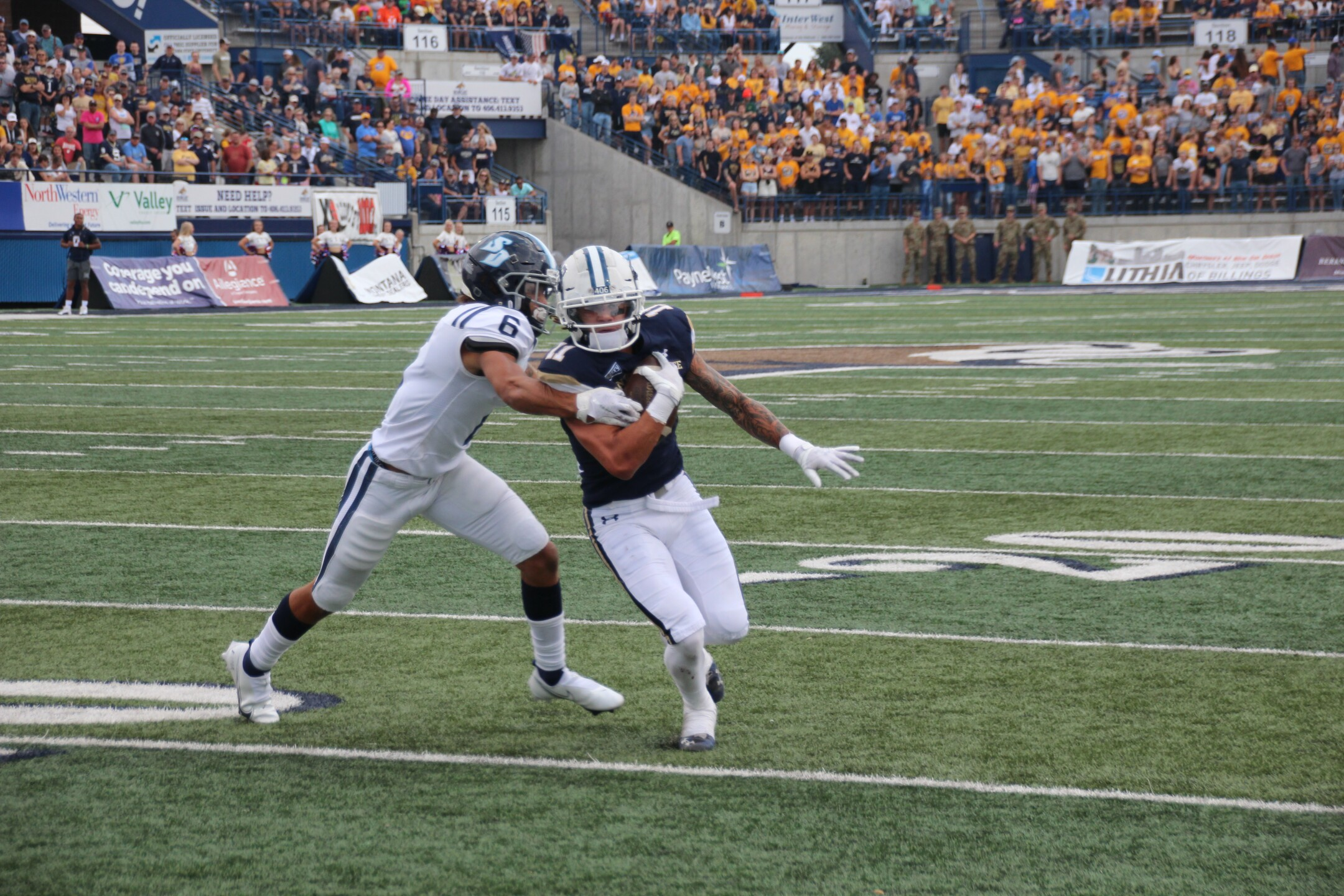 MSU WR Willie Patterson makes a catch in the first half