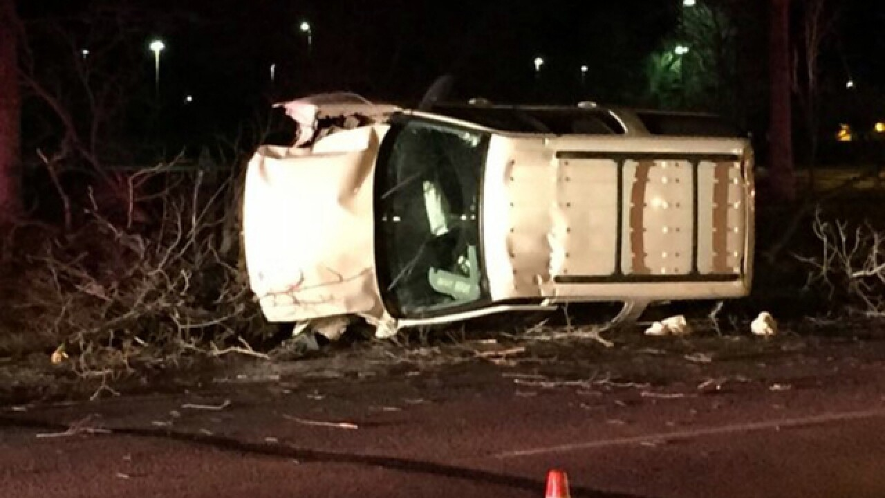 6 hurt in rollover in Littleton