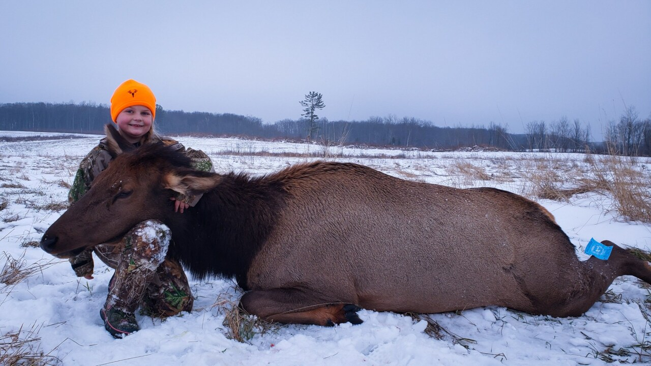 8 Year Old Girl Is Youngest On Record In Michigan To Hunt Elk
