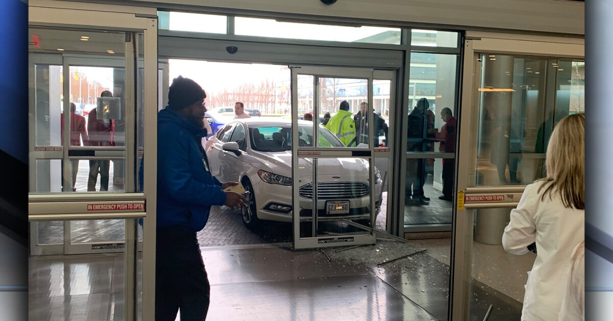 86-year-old man drives into front doors of Cleveland Clinic