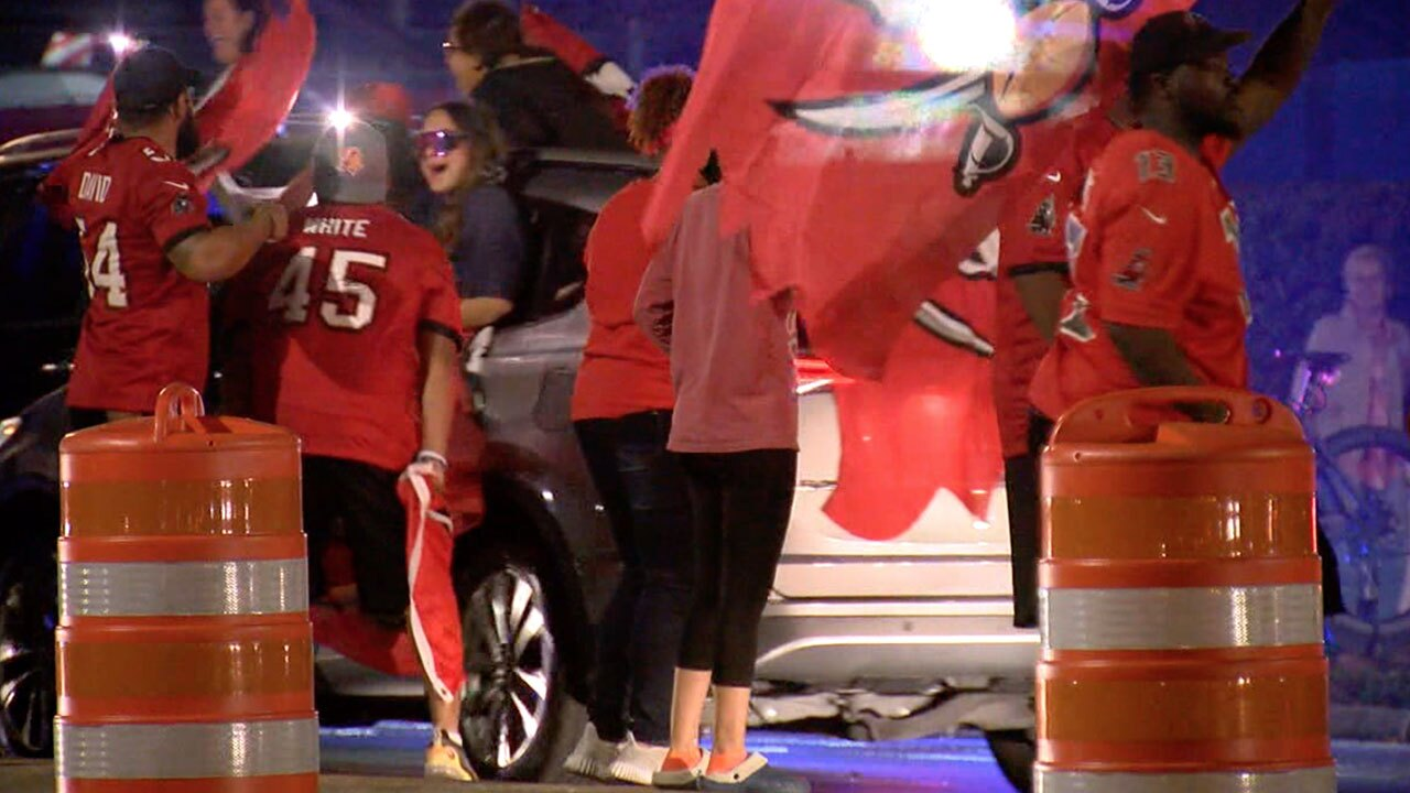 Bucs-win-NFC-Champ-Game-and-Fans-gather-WFTS-1.jpg