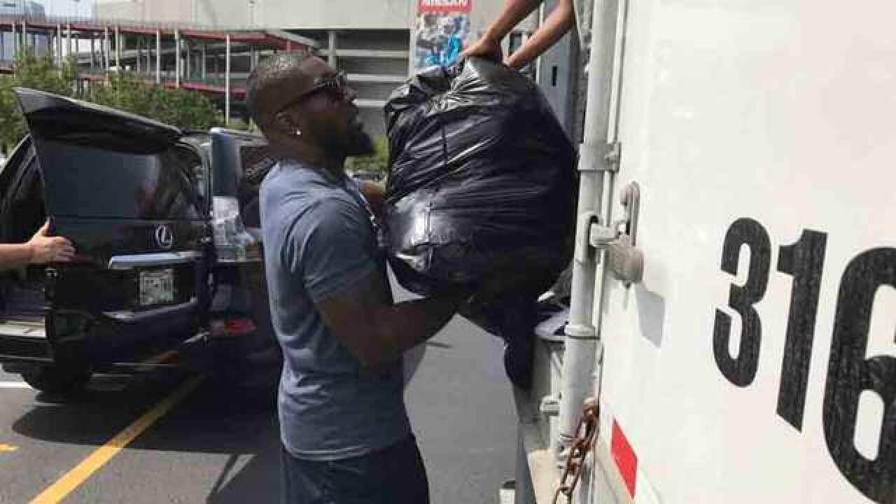 Orakpo, Titans Take Donations For Texas