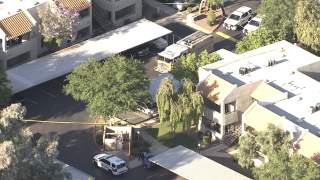 Baby found in hot car near 53rd Avenue and Thunderbird