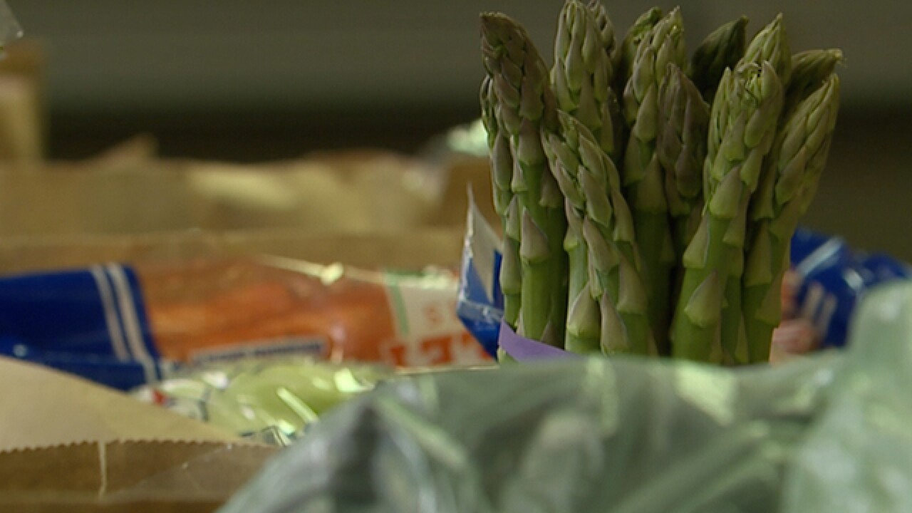 App fights food waste while feeding the hungry