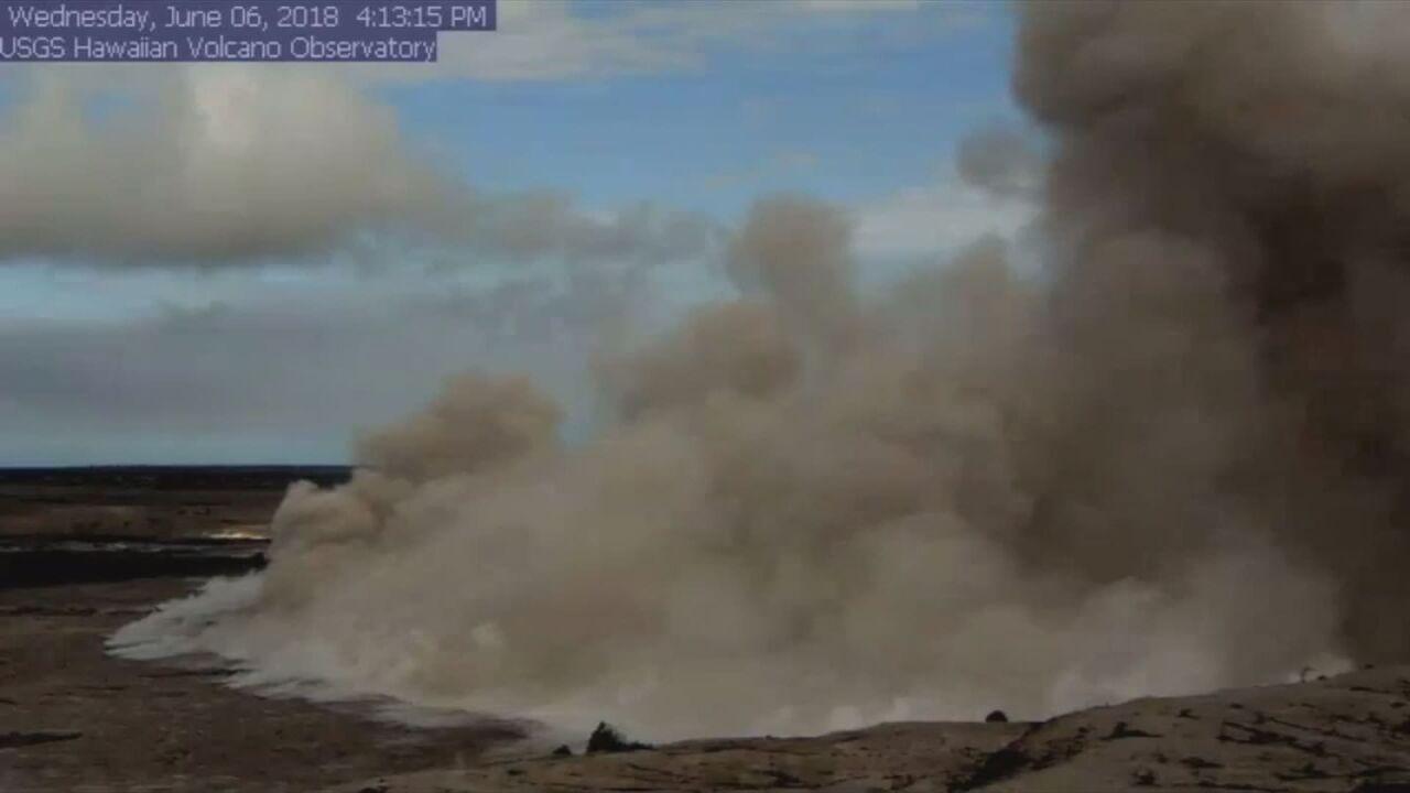 Explosion at Kilauea's summit triggers 5 4-magnitude quake