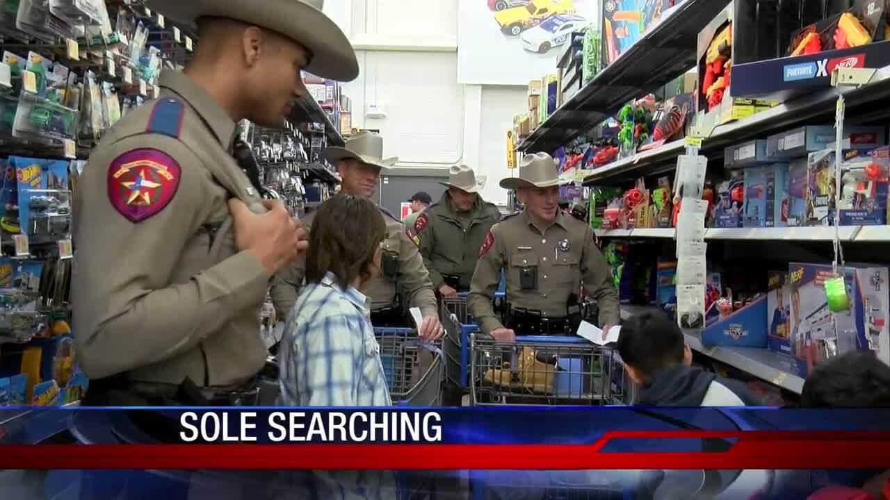 Shop with a cop Portland Walmart 1217.jpg