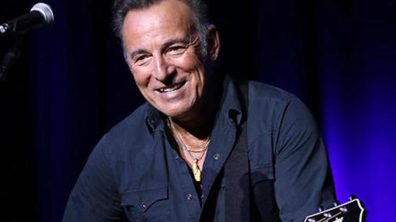 Springsteen signs Philadelphia fifth-grader's absence note
