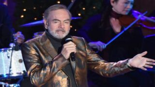 Neil Diamond Turns 'Sweet Caroline' Into Song About Washing Hands