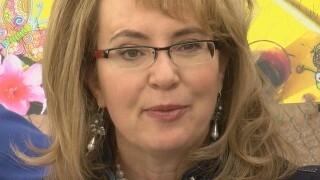 Giffords, Kelly hold election rally