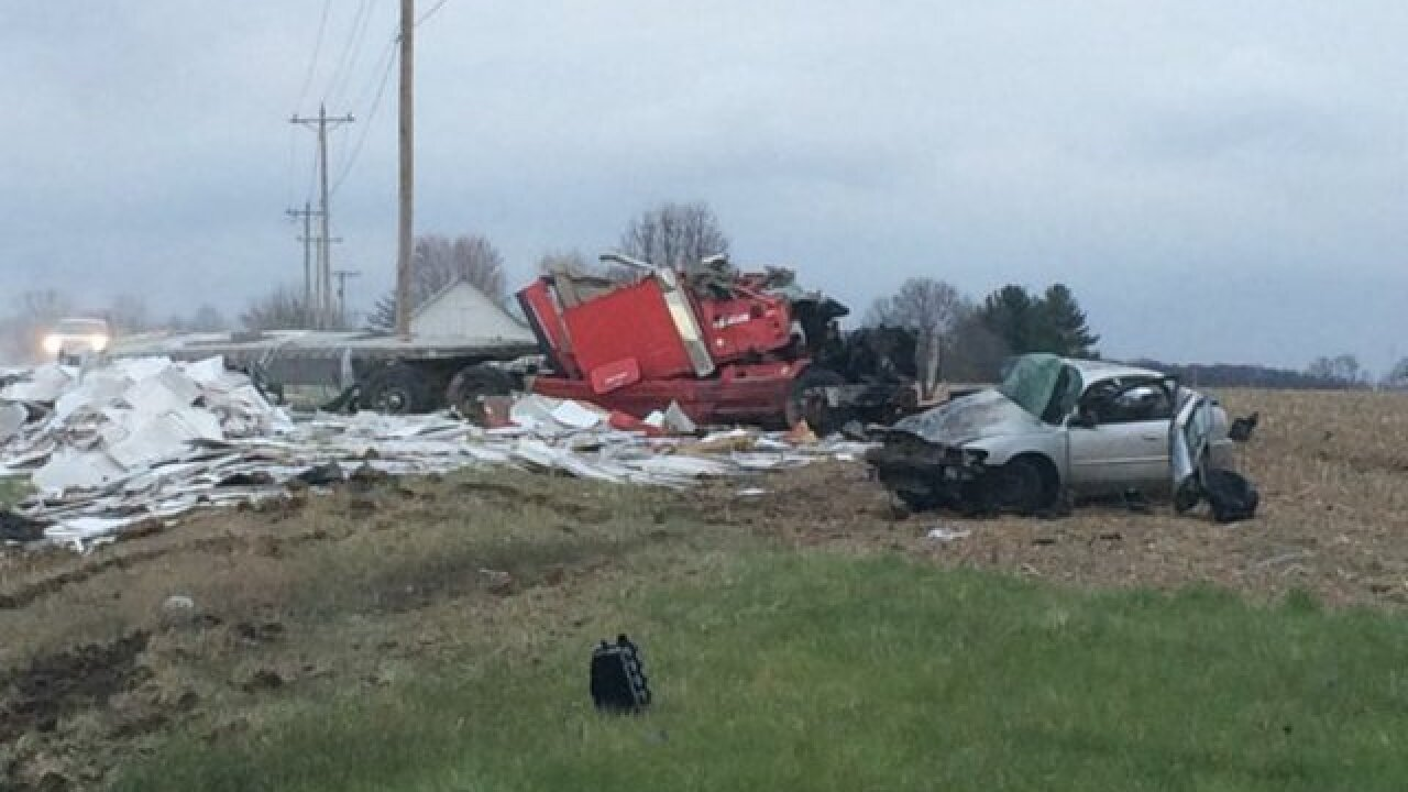 Fatal crash kills 3 on US 50 in Ripley County