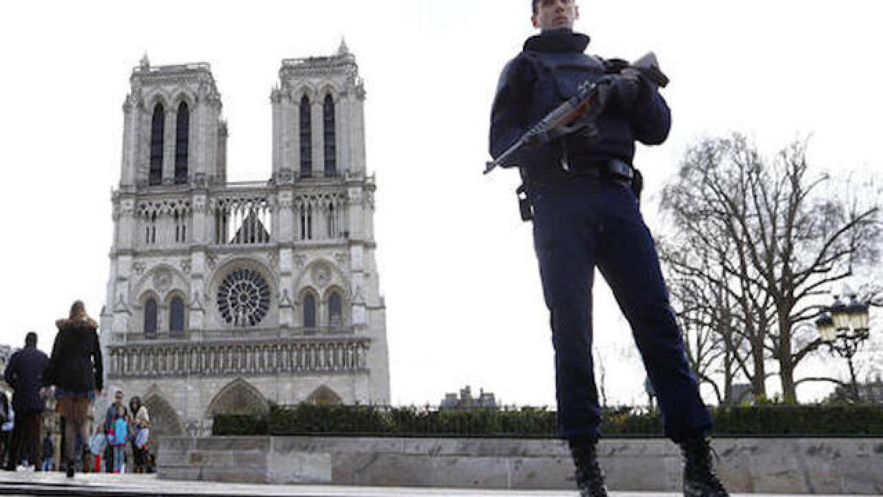 Car with 7 gas canisters found near Notre Dame cathedral
