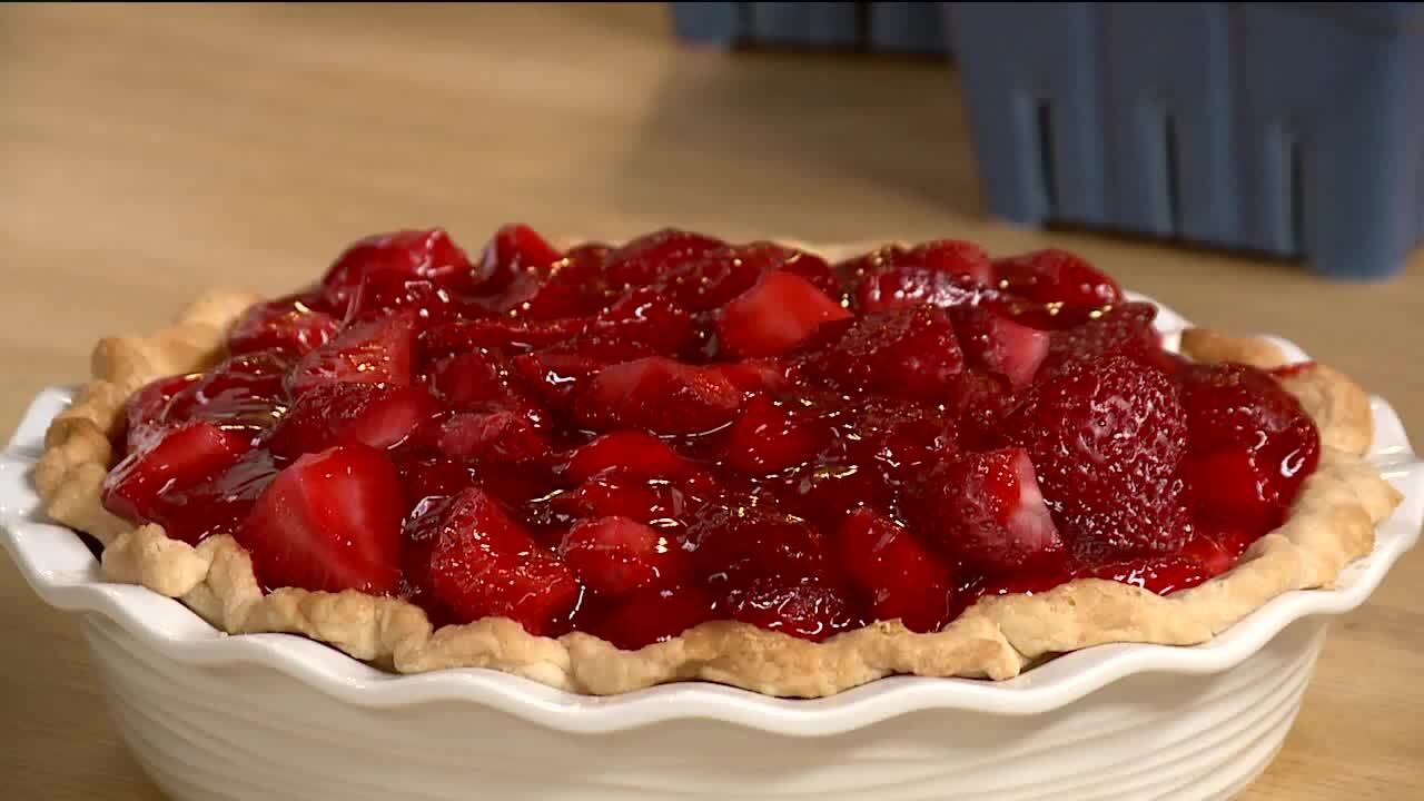 Blogger shares Grandma's recipe for strawberry pie, plus a genius pie crust hack!