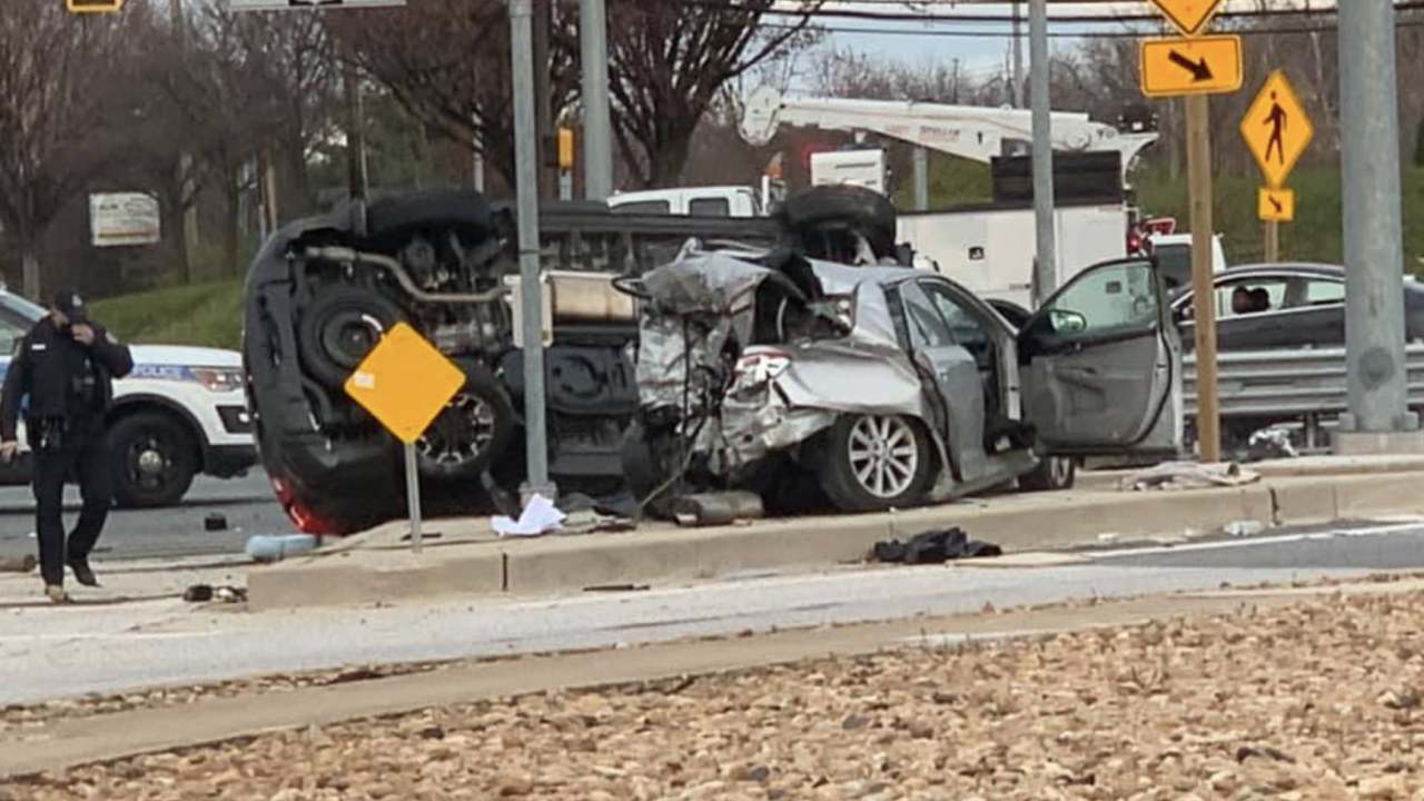 Three people injured in crash at intersection of Rossville Blvd and Pulaski Highway 2.png
