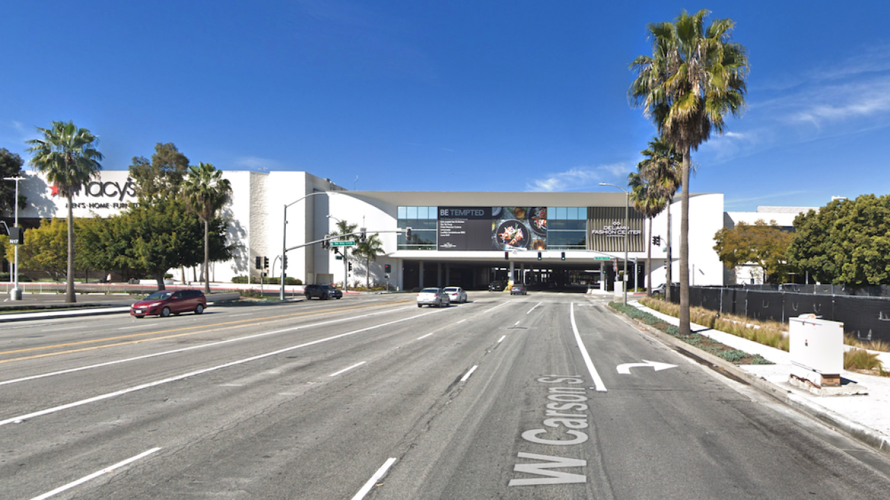 Mall evacuated in southern California due to reports of gunman