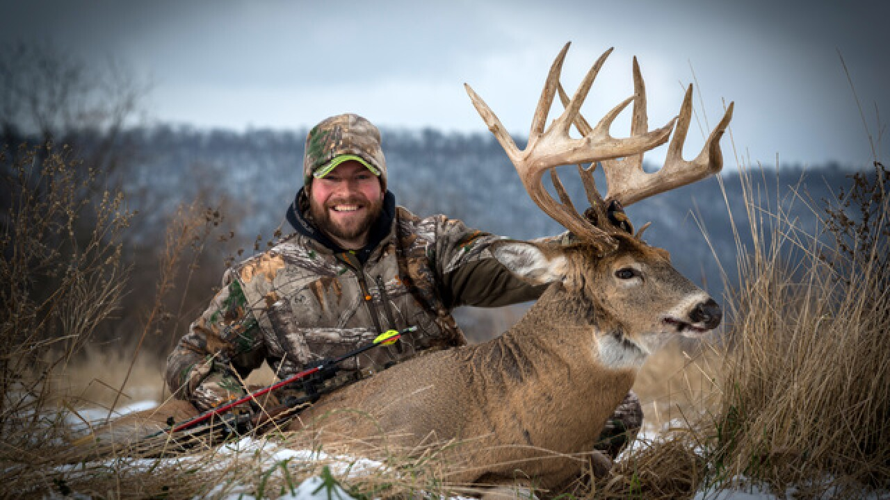 Wisconsin man bags 19-point buck