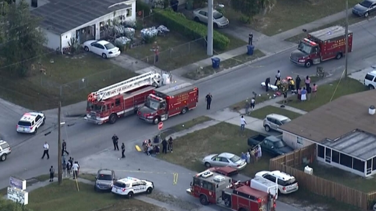 3 children, 2 adults hit by car in Tampa