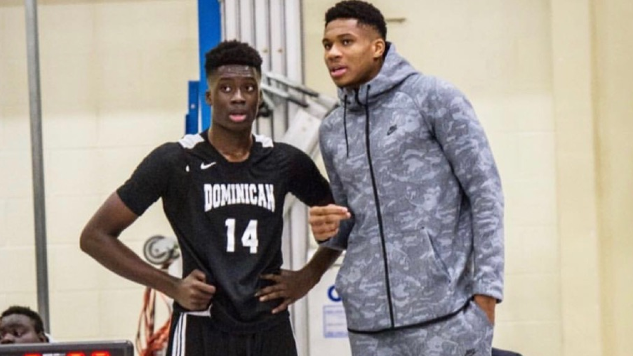 Alex Antetokounmpo and his brother Giannis.