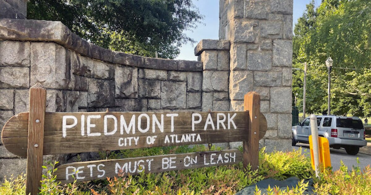 Woman fatally stabbed in park while walking dog in Atlanta