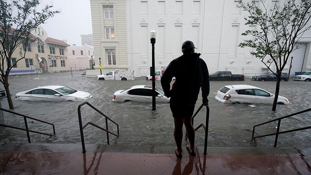 Pensacola-flood-waters-Hurricane-Sally-AP-NEWSROOM-4.jpg