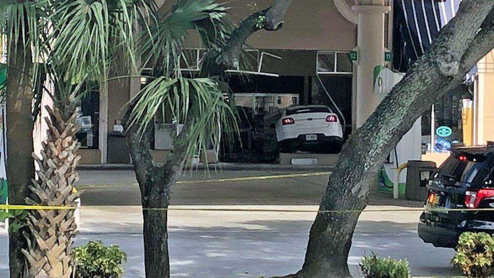 Car Wash Boca Raton >> Photos Car Crashes Into Boca Raton Gas Station