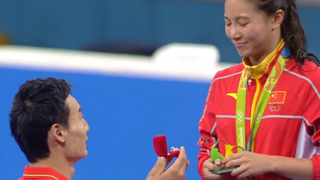 WATCH: Olympic diver earns medal, boyfriend proposes