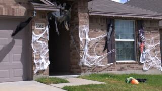 home decorated for Halloween.JPG