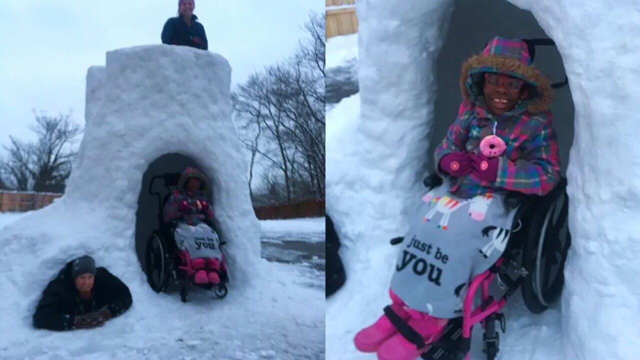 Cincinnati family melts hearts, builds wheelchair-accessible snow fort so everyone can play