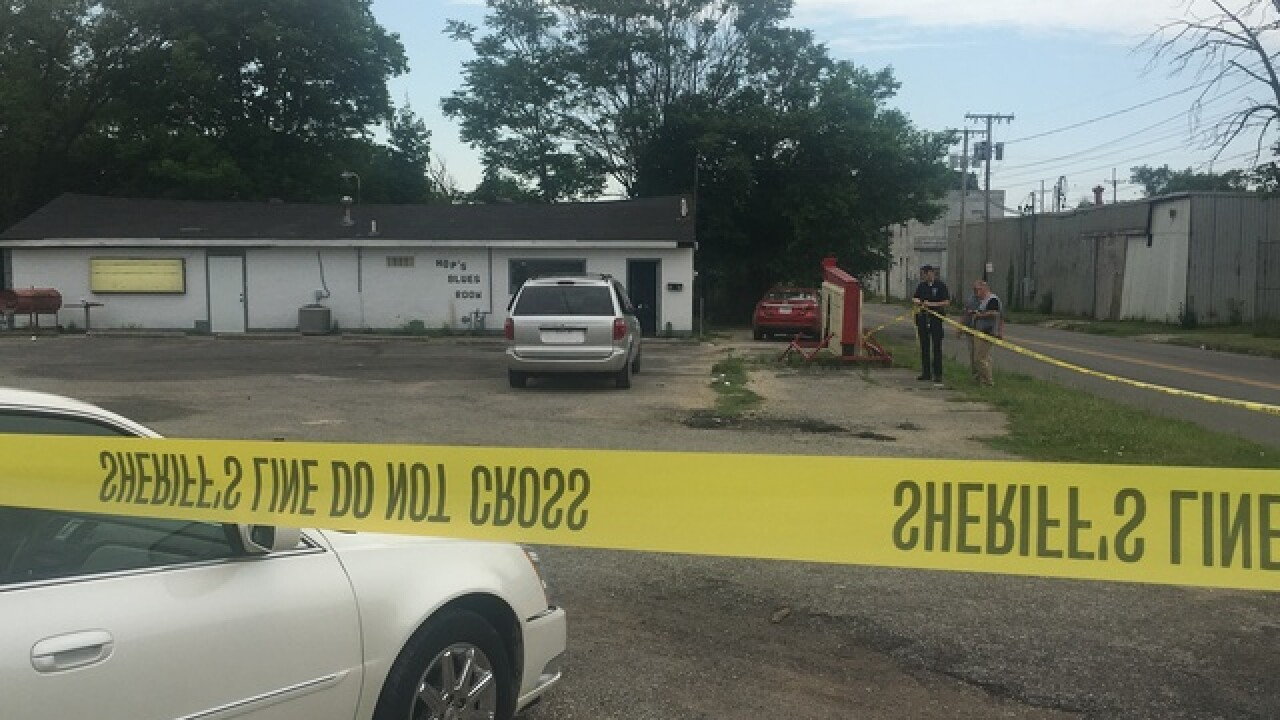Man killed in parking lot of Marion business