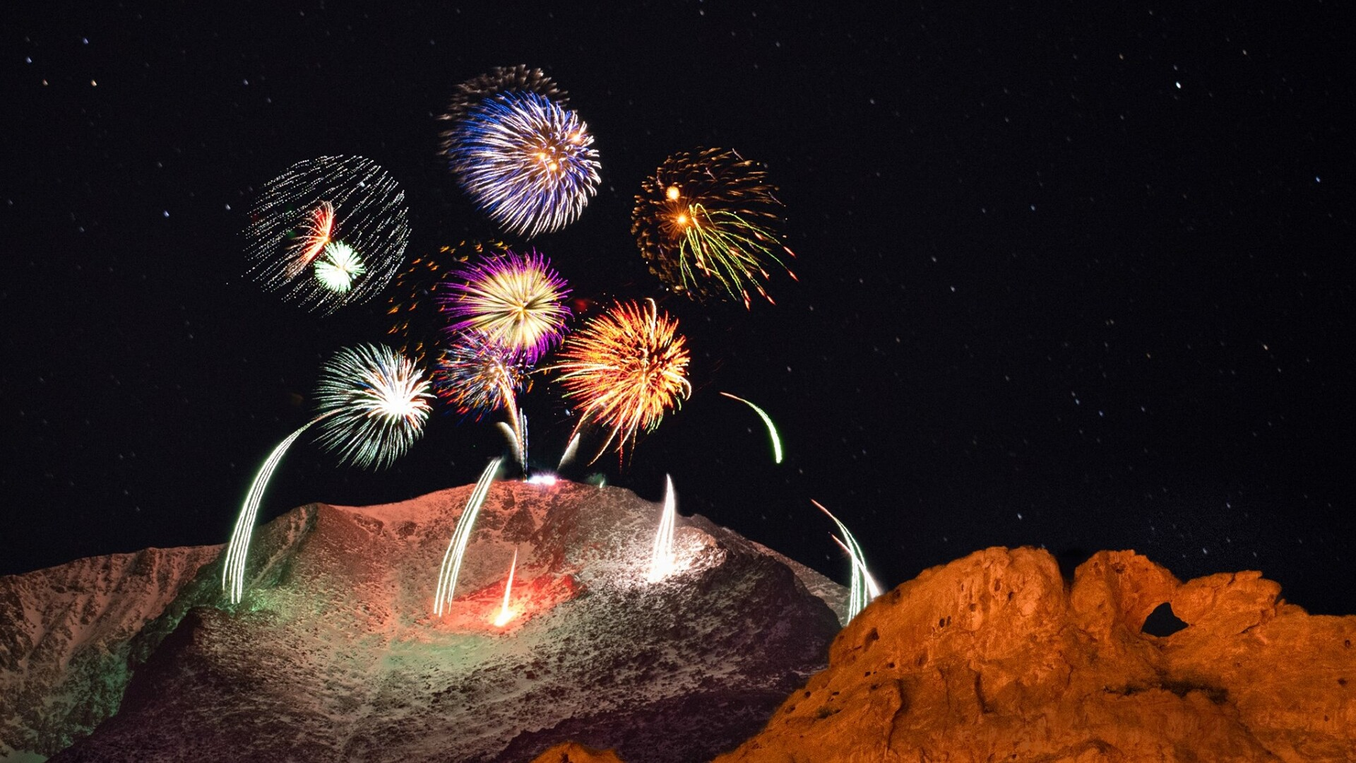 New Years Eve Fireworks on Pikes Peak from Zach Vogel Photography.jpg