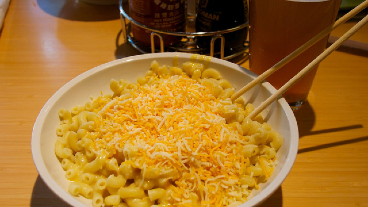 "New restaurant owner promises ""best tasting mac 'n cheese in Wisconsin'"